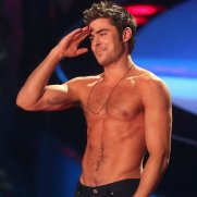 Zac-Efron-Shirtless-Pictures
