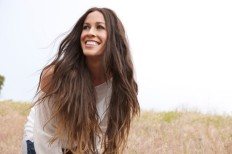 o-alanis-morissette-interview-facebook
