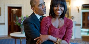 28-romantic-photos-of-michelle-and-barack-obama