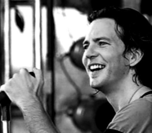 eye-candy-eddie-vedder-13